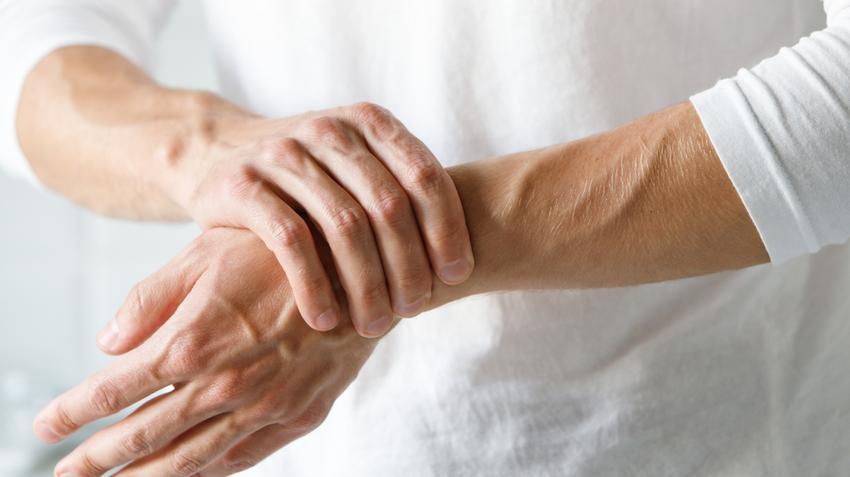 hogyan lehet kezelni a kezén lévő gyulladt ízületet