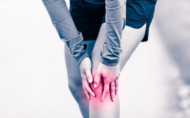 fájdalom a boka ízületeiben, mint hogy kezeljék)