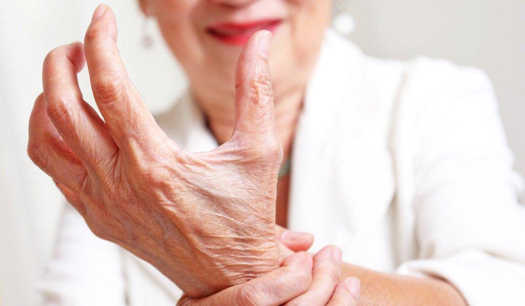ízületi fájdalom a jobb kezében, mit kell tenni
