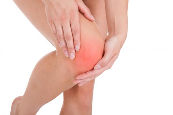 a térd fájdalma a lábig