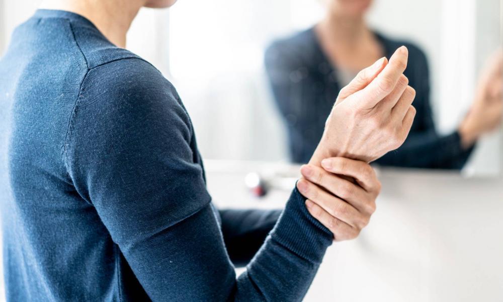 izom- és ízületi hátfájás az ízületek fájnak az érzéstelenítésről