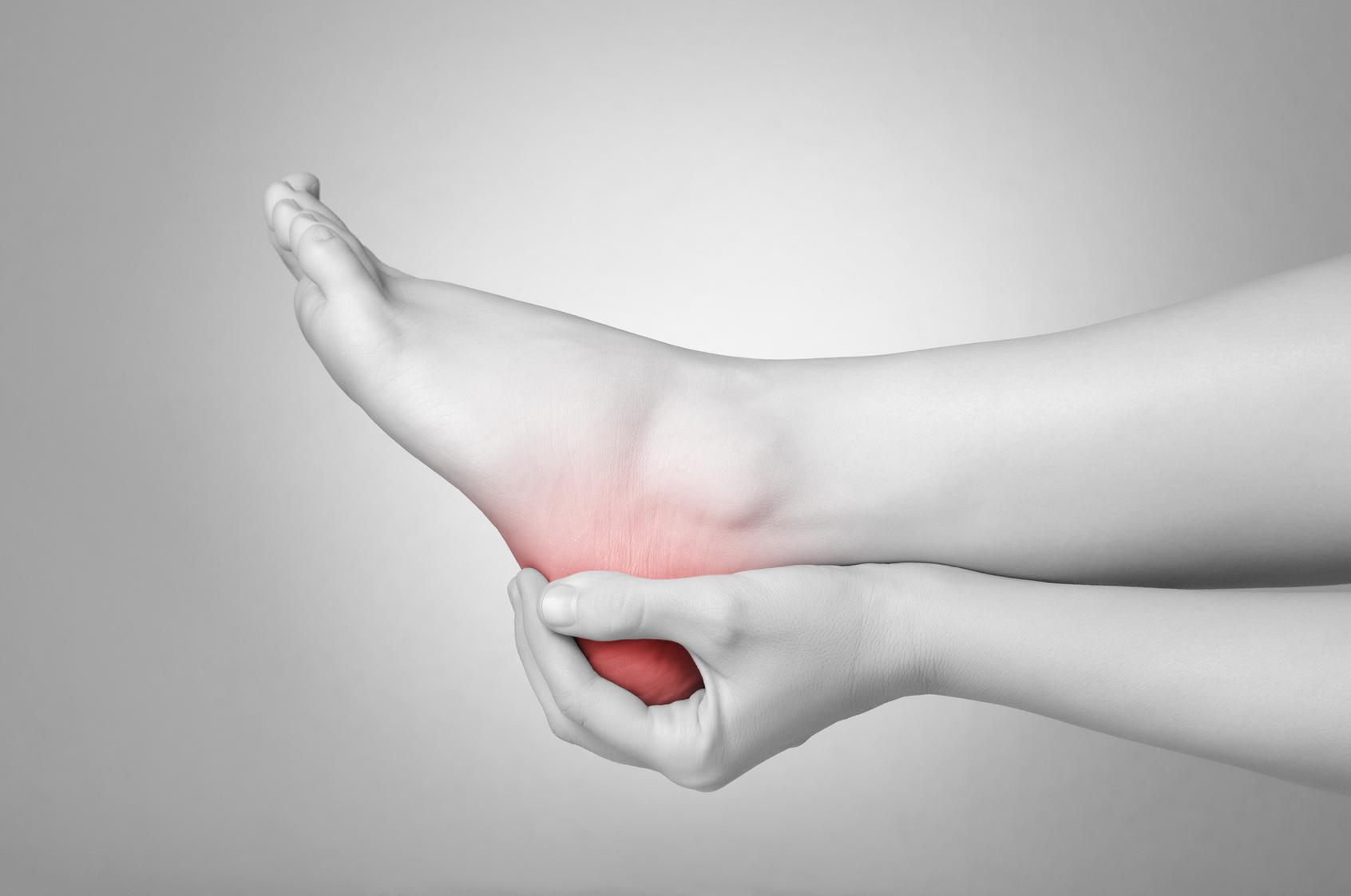 fájdalom a lábak térdízületében)