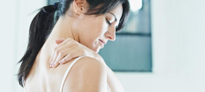 fájdalom a bal kéz vállízületében kattanásokra