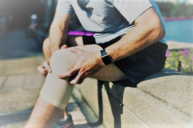 a 2. fokú térdízületi gyulladást kezelik-e milyen sportolók kezelik az ízületeket
