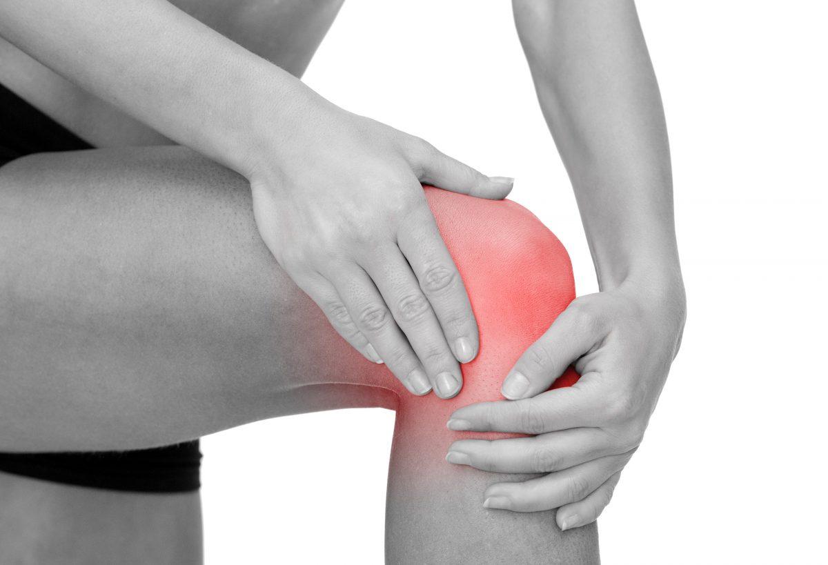 térdfájdalom egy régi sérülés után)