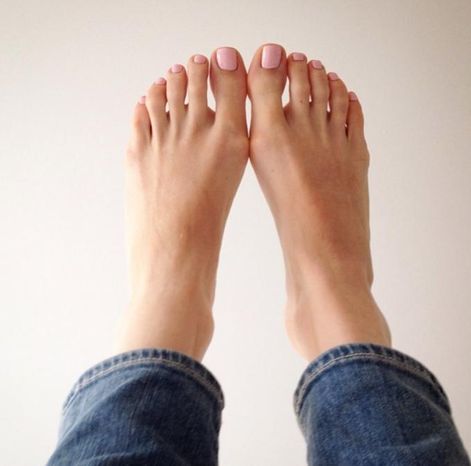 gél a lábak ízületeiből