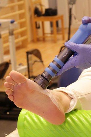 Térdfájdalom kezelése? A csípő erősítése megoldást jelenthet