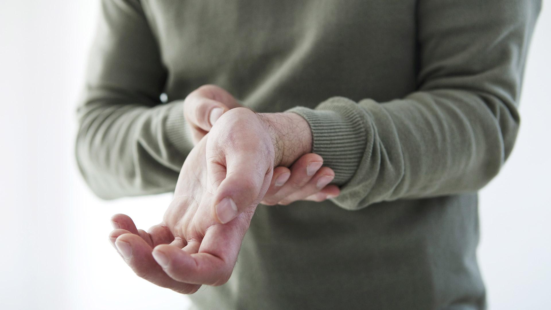 hüvelykujjízületi tünetek és kezelés carmolis közös gél vélemények