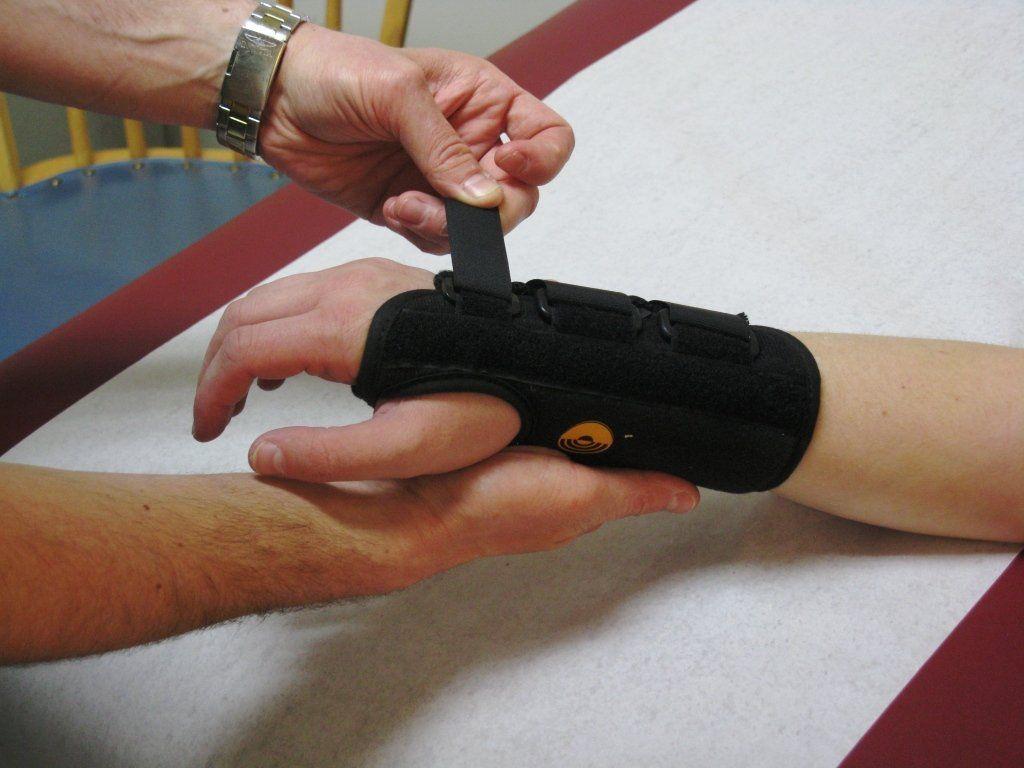 ízületi kézkezelés fájdalom és gyengeség a csípőízületekben