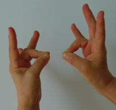 masszázs az ujjak ízületeinek fájdalma érdekében akut artrózis kezelési idő