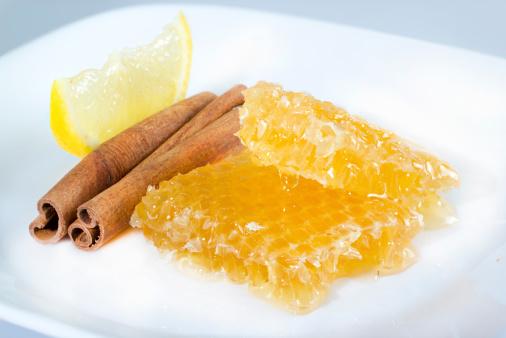 a kézízületi gyulladás kezelése tengeri sóval)
