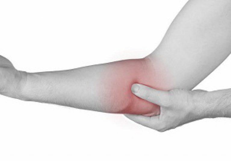 Mi okozhatja a könyök fájdalmát? - fájdalomportáptigroup.hu