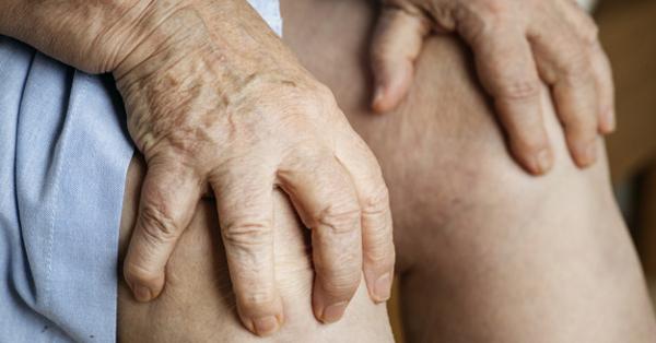 Fájdalom a kezében