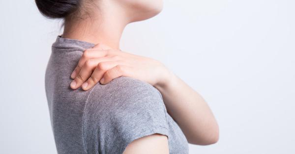 a jobb vállízület fájdalma a kezelést okozza)