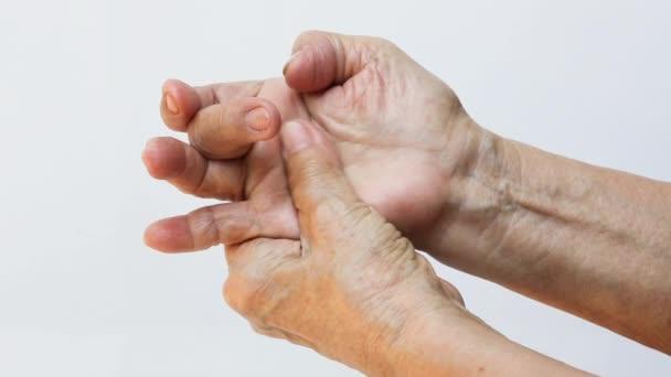 fájó kéz a közös)