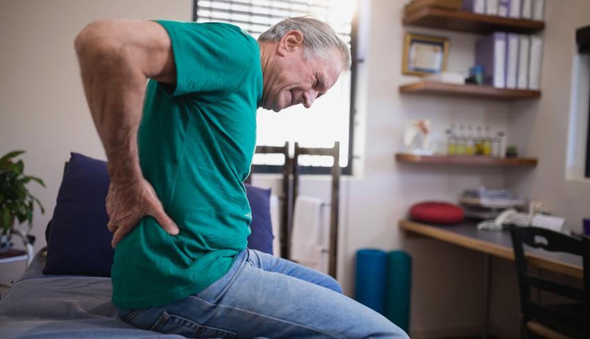 fájdalom a csípőn nyújtáskor