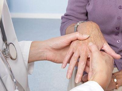 krónikus polyarthritis)