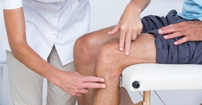 mely szakemberek kezelik a térdízület fájdalmát