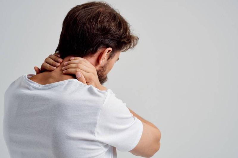 nyaki nyaki fájdalom a térdízületekben