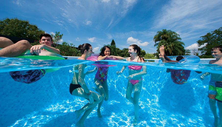 a medence eltérése