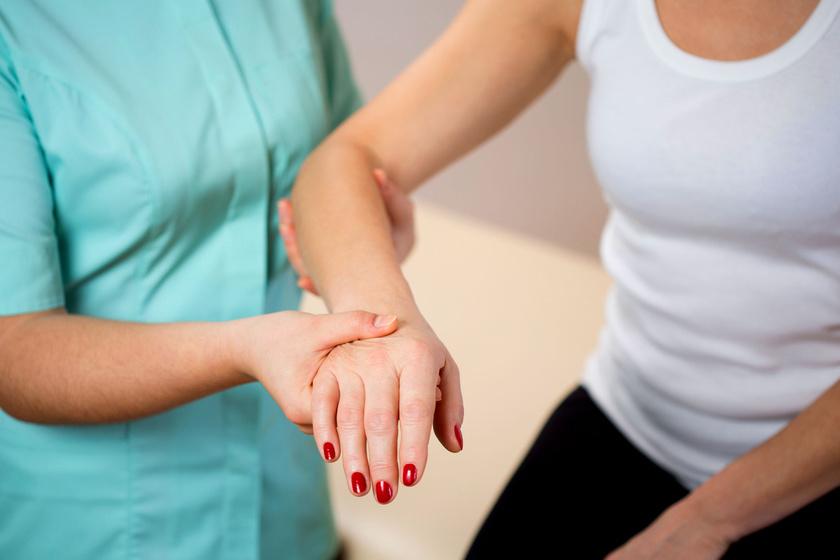 az ízületi fájdalom a kar zsibbadását okozza