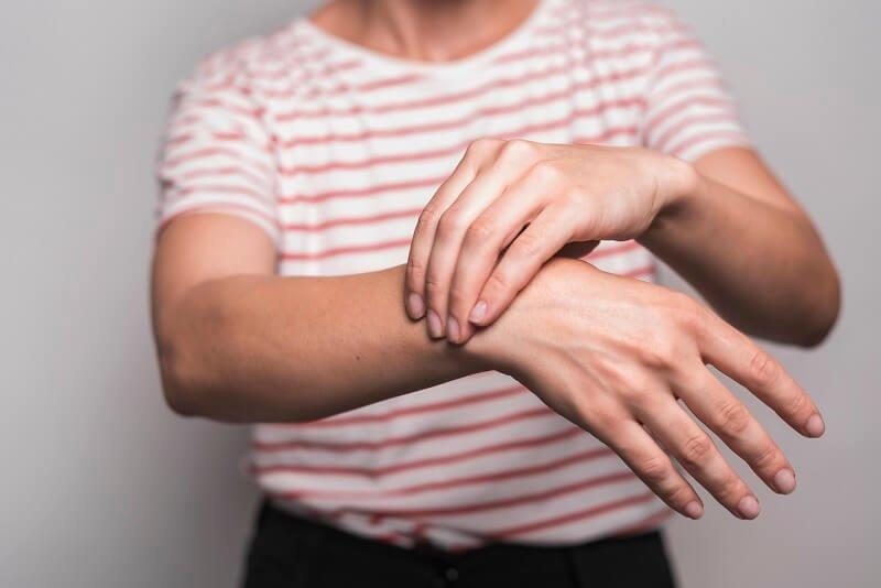 miért fáj a kezek ízületei folyamatosan fájó térdfájdalmakat éjjel