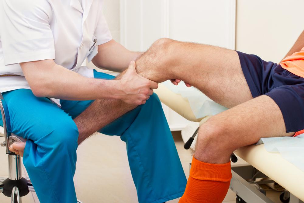 térdízület deformáló artrózis)